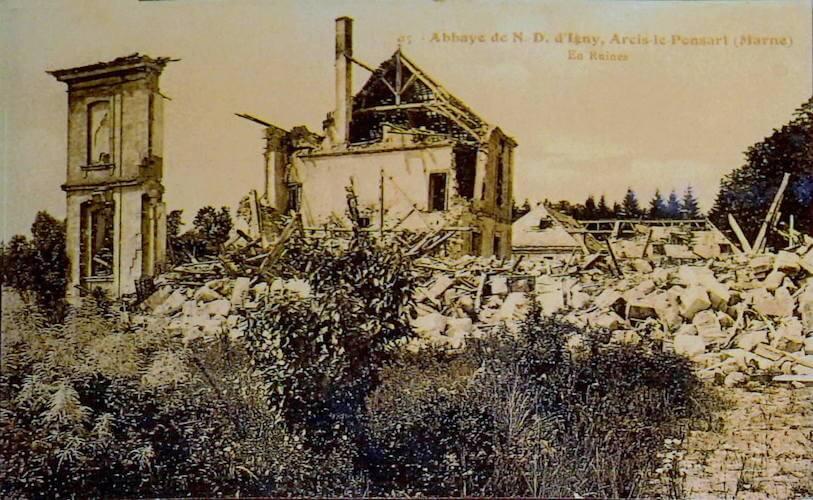 Abbaye Notre-Dame du Val d'Igny en ruines - Divine Box