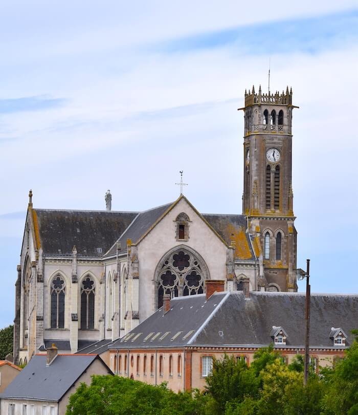 Abbaye Notre-Dame des Gardes - Divine Box