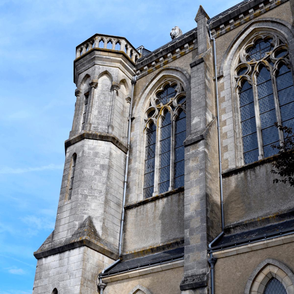 Dès leur arrivée, les soeurs ont construit le sanctuaire mariale de l'<strong>abbaye Notre-Dame des Gardes</strong>