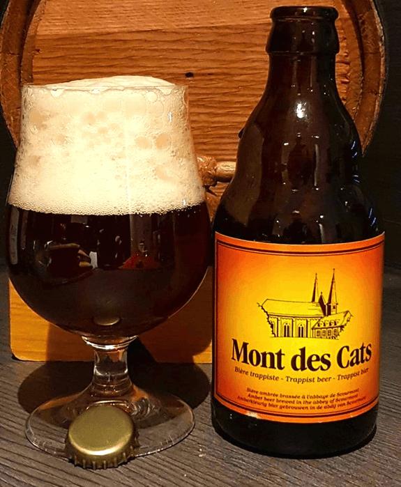 Bière Mont des Cats robe ambrée mousse blanc cassée