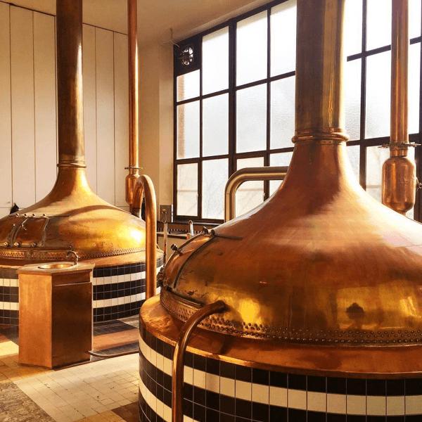 Les (anciennes) cuves en cuivre de la brasserie de l'abbaye de Westmalle – Divine Box