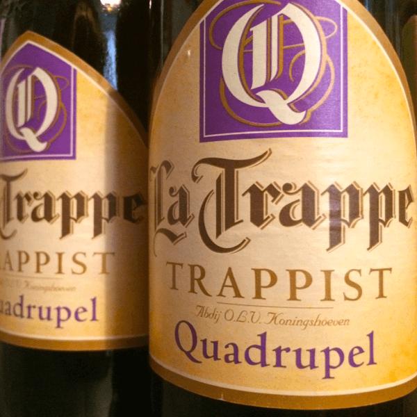 L'étiquette de la Trappe Quadrupel, brassée à l'abbaye trappiste de Koningshoeven aux Pays-Bas – Divine Box