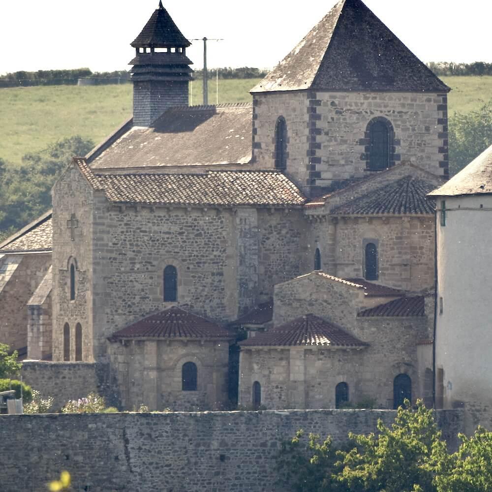 Eglise abbatiale de l'abbaye Saint-Vincent de Chantelle - Divine Box