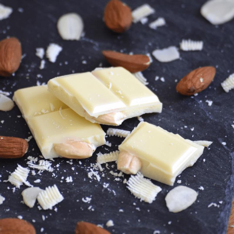 Chocolat blanc aux amandes - Abbaye Notre-Dame de la Paix de Castaigniers - Divine Box