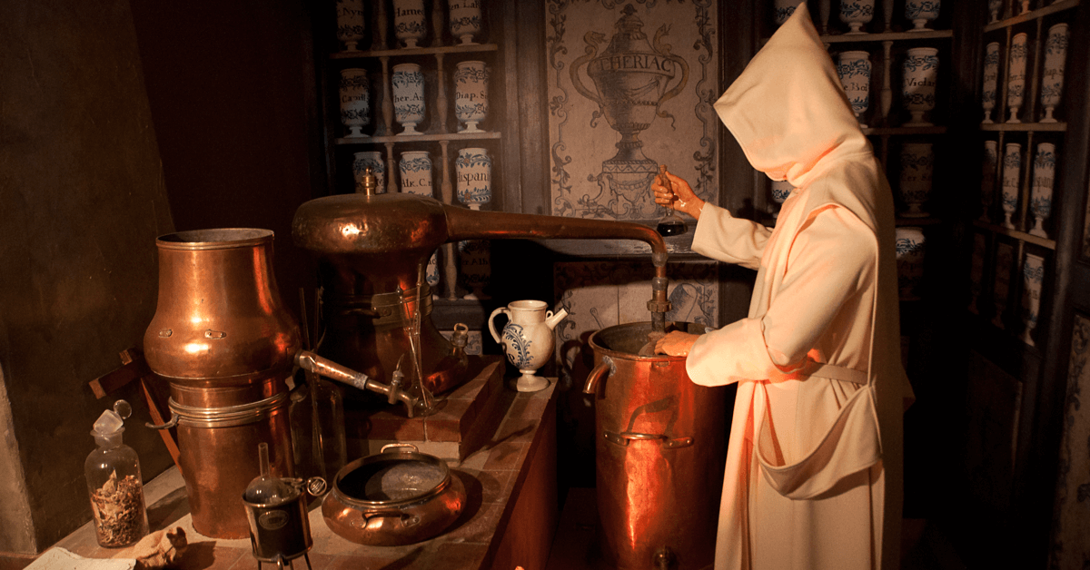 C'est en 1737 que frère Jérôme Maubec, l'apothicaire du monastère, parvient à percer tous les secrets du manuscrit de 1605