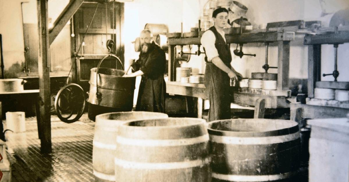 Les moines de l'abbaye de Scourmont réalisent depuis 150 ans environ d'incroyables fromages, dont certains à la bière Chimay