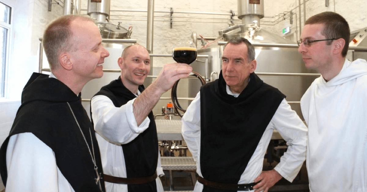 Plus d'un siècle avant la Tynt Meadow, les frères du Mont Saint-Bernard brassaient déjà de la bière pour leurs hôtes, mais sa recette a malheureusement disparue