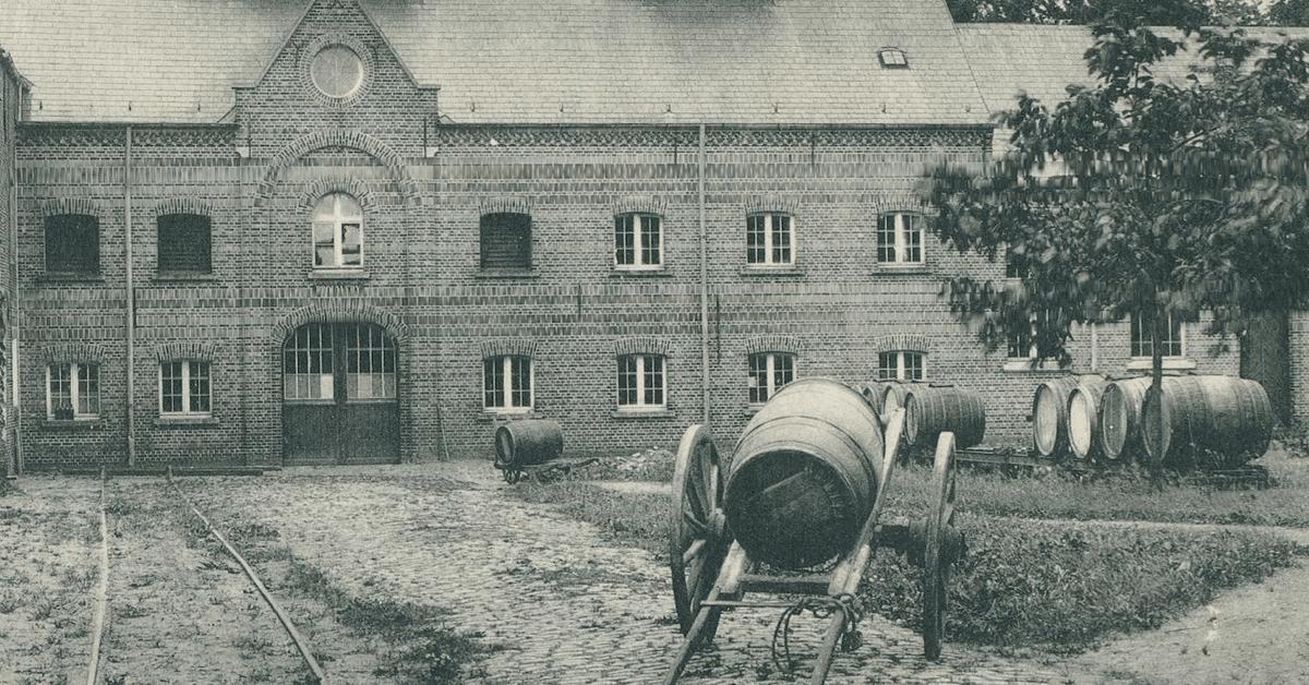 C'est lors d'une de leurs tentatives pour rejoindre le Canada que les moines de dom de Lestrange fondèrent l'abbaye de Westmalle, en Belgique, qui deviendra rapidement célèbre pour ses bières trappistes