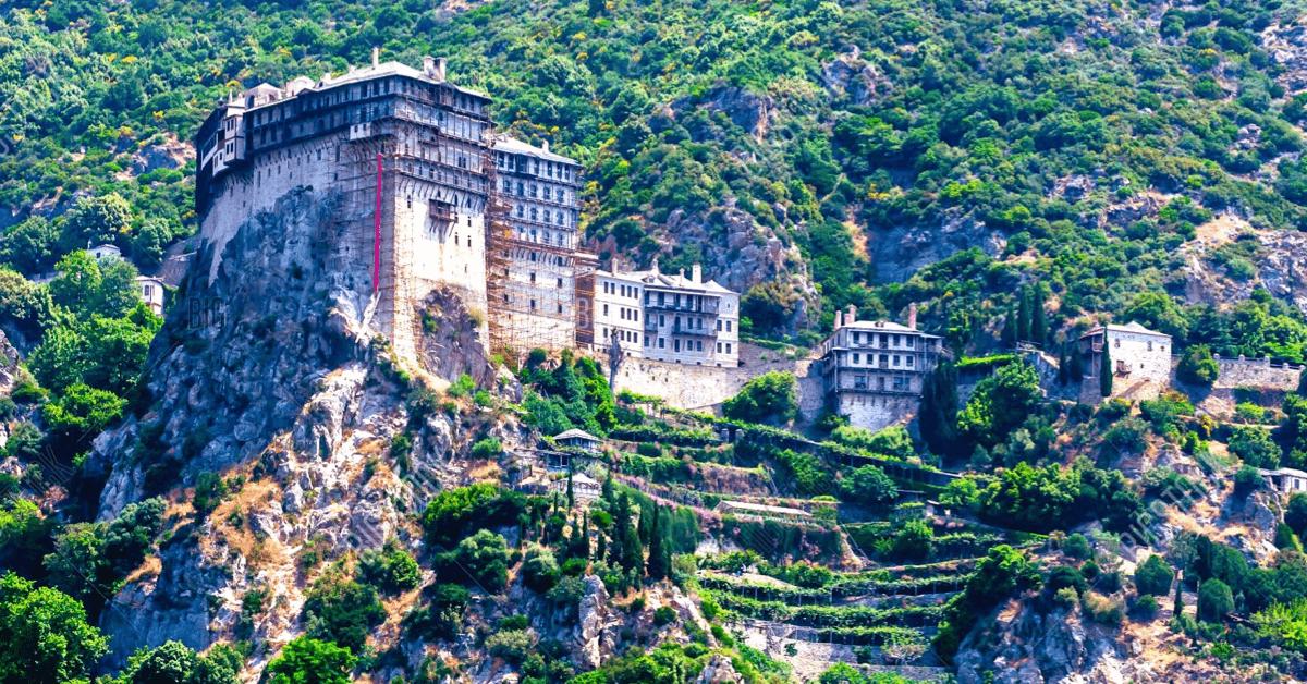 Le monastère de Simonos-Pétra, qui date du XIIIème siècle - Divine Box