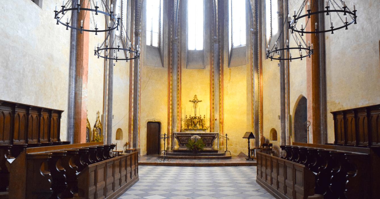 Vue de l'autel de l'église de l'Abbaye Sainte-Marie de Boulaur - Divine Box