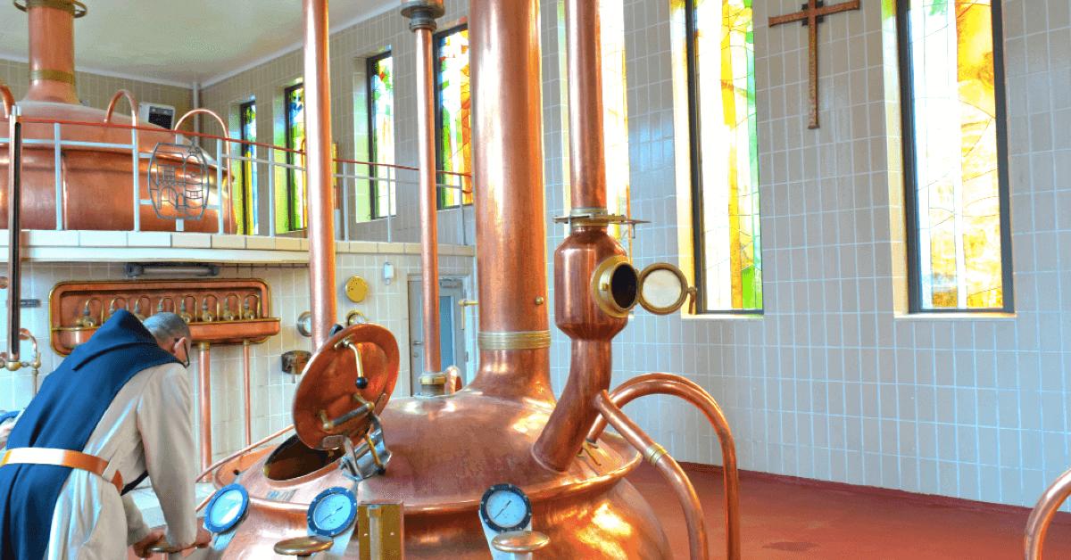 Les Belges ont affectueusement surnommé la brasserie de Rochefort « cathédrale de la bière » – Divine Box