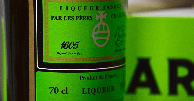 La chartreuse verte est une liqueur traditionnelle vieille de 300 ans, couramment utilisée dans des recettes de cuisines françaises
