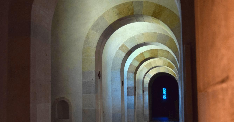 Vue de l'église abbatiale du Barroux - Divine Box