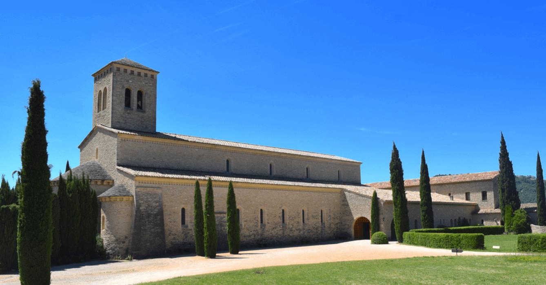 Vue extérieure de l'Eglise du Barroux - Divine Box