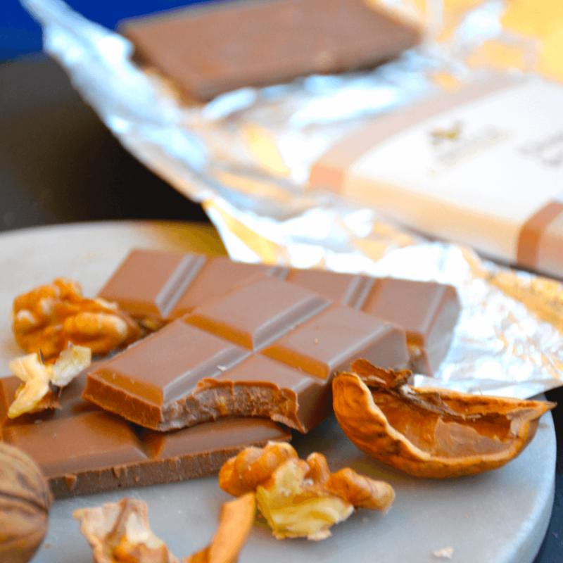 Chocolat lait noix - Abbaye de Castagniers- Divine Box
