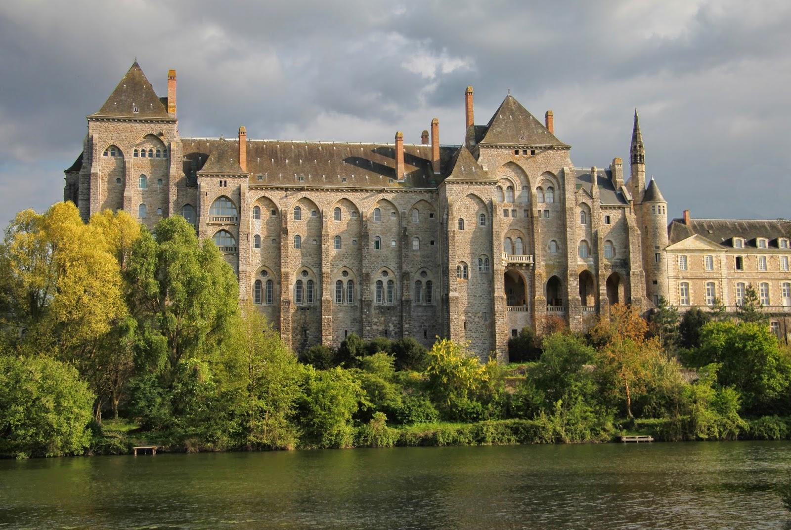 Abbaye de Solesmes - briottieres.com