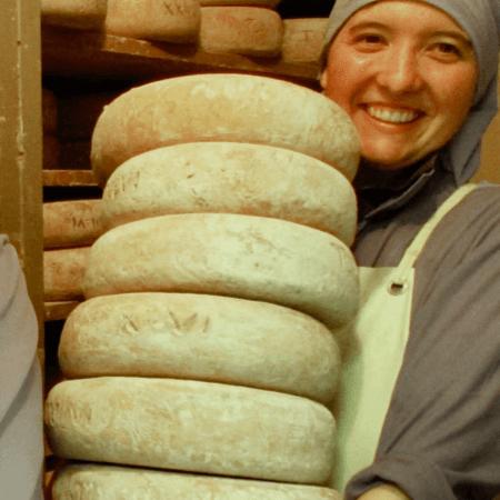 Presentation 2 fromages - abbaye du Pesquie - tomme des pyrénées - Divine Box