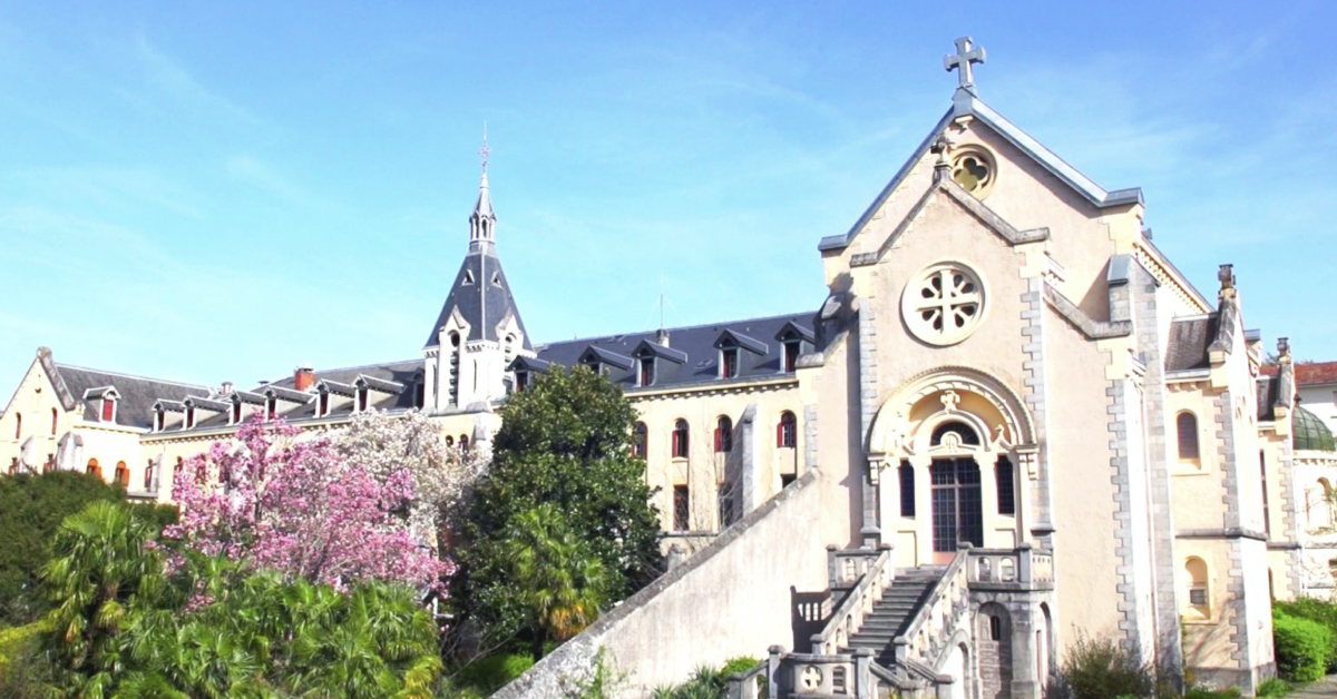 Carmel de Lourdes de dos - Divine Box