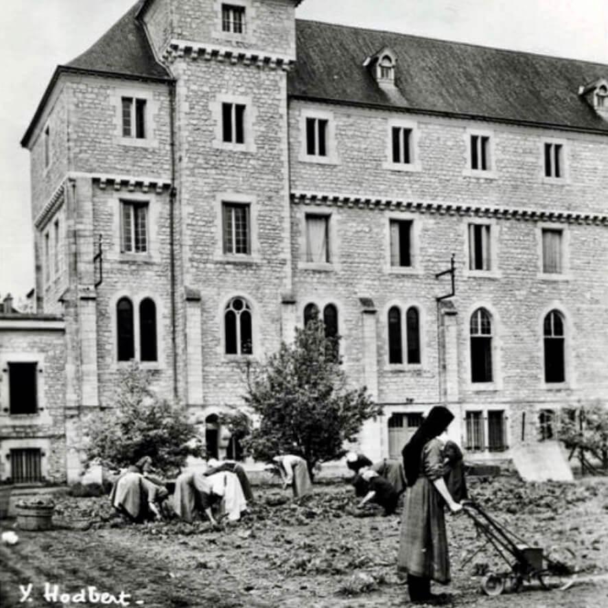 Soeurs travaux fermiers de l'abbaye du val d'Igny - Divine Box