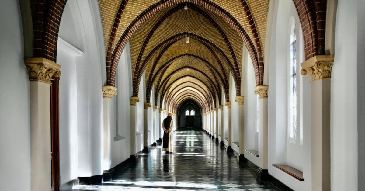 Couloir de l'abbaye de Koningshoeven - Abbaye de Koningshoeven