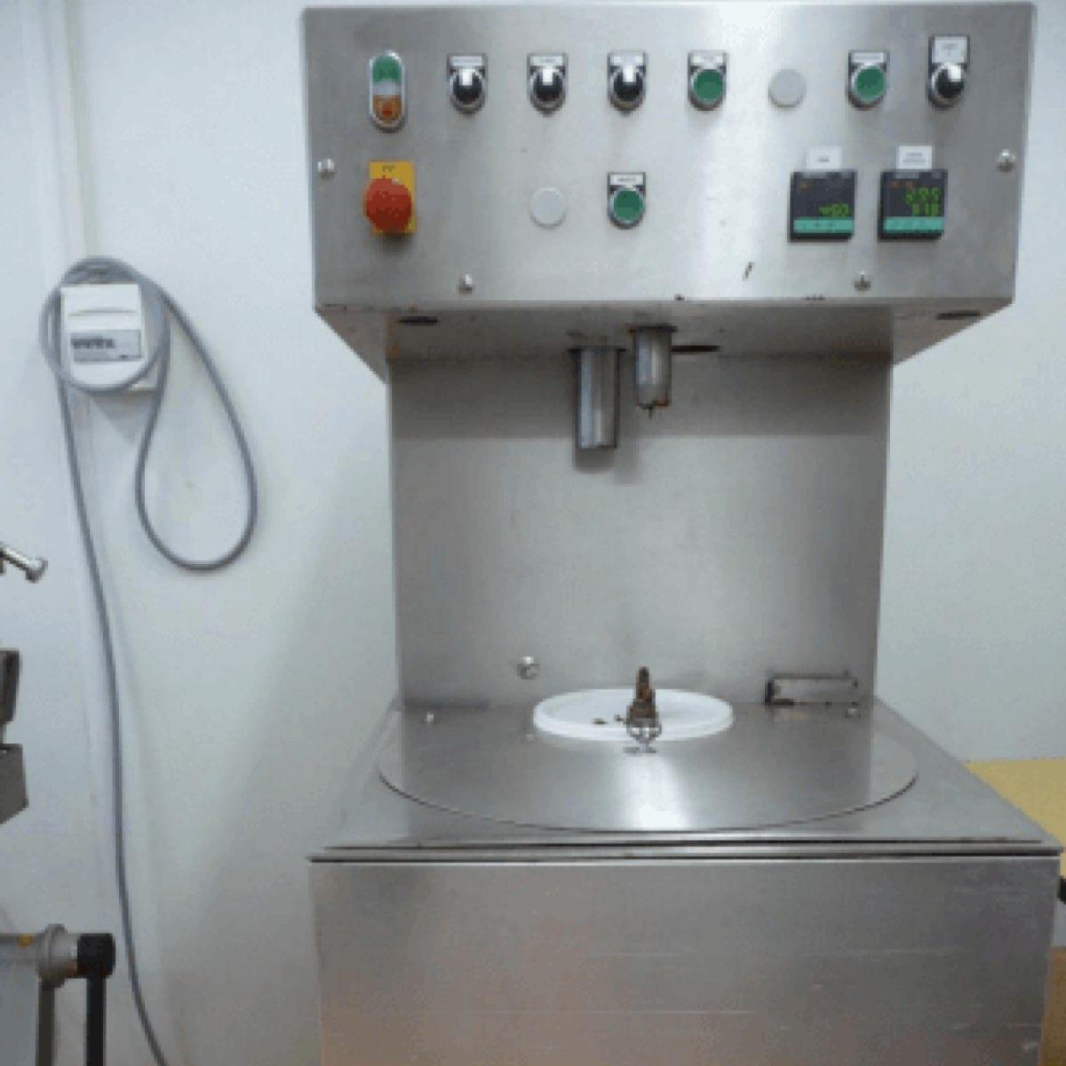Impressionnante cette tempéreuse automatique, n'est-ce pas ? ©Abbaye Igny