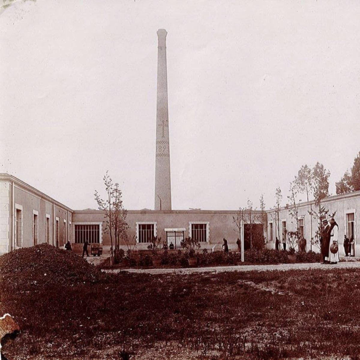 Nouveaux locaux construits à l'extérieur de l'enceinte du monastère, en 1897-1898 ©Abbaye Igny